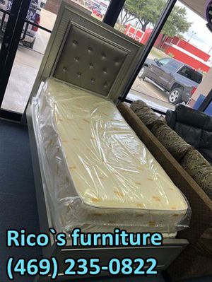 New sofa and love seat for for Sale in Garland, TX