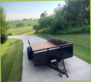 THE 2011 PJ TRAILER HAS USED REALLY LITTLE SO IT IS IN GOOD CONDITION.// for Sale in Aurora, CO