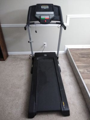 Gold's Gym Trainer 430 Treadmill for Sale in College Park, GA