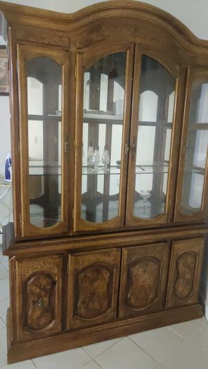 Vintage dish and cup cabinet! for Sale in Bridgeport, CT