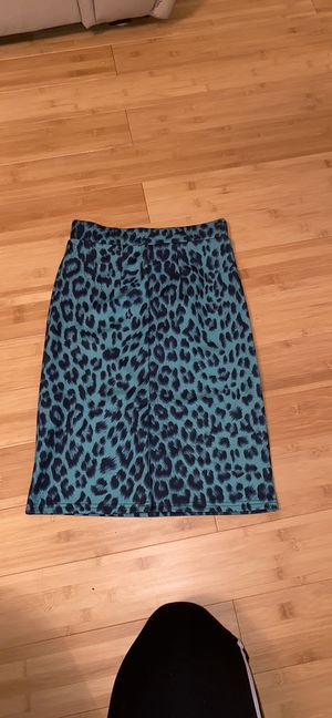 Top shop slim skirt made in in United Kingdom's/size 2 for Sale in Bloomfield Hills, MI
