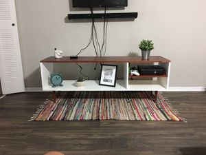 Console table wooden new for Sale in Orlando, FL