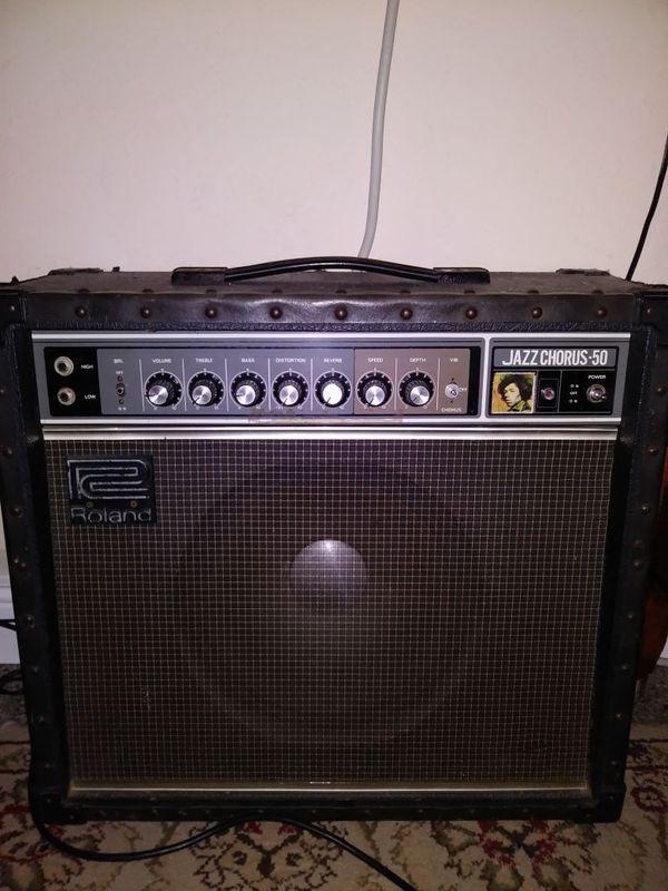 Roland Jazz Chorus 50 guitar amplifier