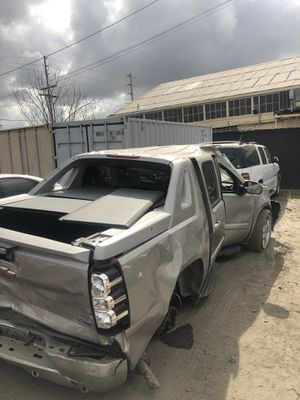 2008 Chevy avalanche for parts only for Sale in Los Angeles, CA