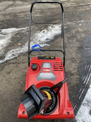 "Toro 721 RC commmercial 21"" snowblower start at first pull for Sale in Downers Grove, IL"