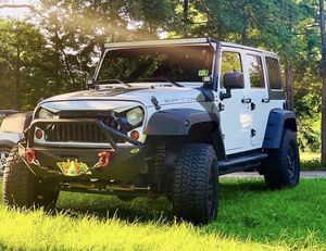 White Jeep Wrangler Unlimited Rubicon 2013 for Sale in Springfield, VA