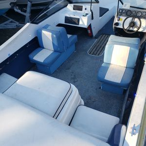 19 Ft Boat for Sale in Clinton, MD