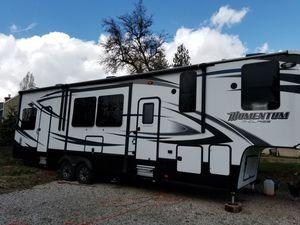 2015 grand design 5th wheel m class for Sale in Oregon City, OR
