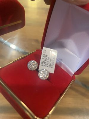CRAZY STEAL! NEW UNISEX 0.50CT NATURAL ROUND DIAMOND CLUSTER STUD EARRING IN 10K GOLD 8MM for Sale in Skokie, IL