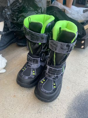 Snow boots for Sale in Garden Grove, CA