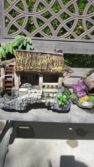 Variety of fishtank decorations. for Sale in Hemet, CA