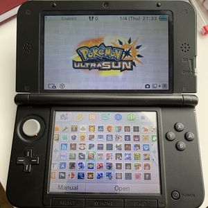 Nintendo 3DS XL blue color comes with 300+ games for Sale in Laguna Beach, CA