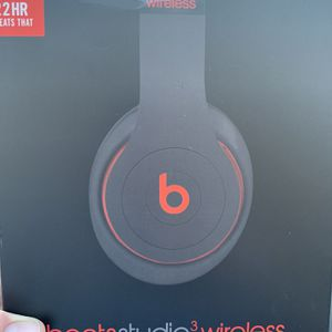 Headphones Beats Studio 3 Black And Red New In The Box for Sale in Chino, CA