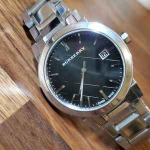 Burberry BU9001 Silver Tone Black Dial Men Wrist Watch Excellent Condition for Sale in Portland, OR