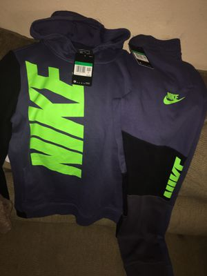 Nike sweat suit boys xL for Sale in Stockton, CA