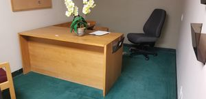 Office furniture- any desk $80 - any chair $30 for Sale in Coral Springs, FL