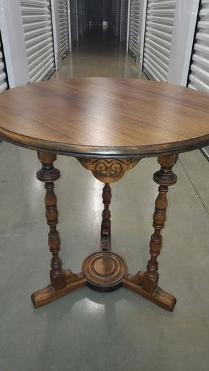 Antique oak lamp table for Sale in Hazlet, NJ