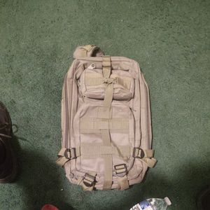 Medium Nice Fit Backpack Olive Green for Sale in Gilbert, AZ