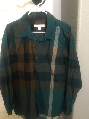Youth Burberry shirt for Sale in GLMN HOT SPGS, CA