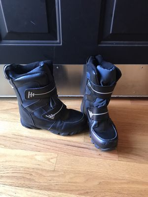 Kids size 5 Snow Boots for Sale in Oregon City, OR