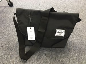 NEW with Tags HERSCHEL Odell Messenger Crossbody Bag BLACK for Sale in Walnut, CA