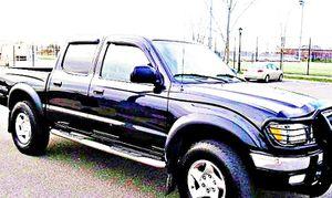 ֆ14OO 4WD Toyota Tacoma 4WD for Sale in Pekin, IL