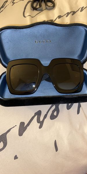 Only worn once LIKE NEW GUCCI SUNGLASSES for Sale in Washington, DC
