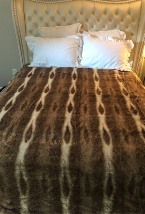 Pottery Bar Faux Fur Blanket for Sale in Redmond, WA