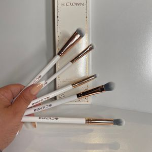 Crown All Eyes On You Brush Set (makeup Beauty Cosmetics Make Up) for Sale in San Antonio, TX