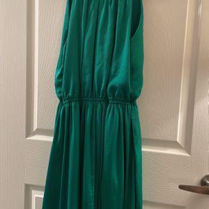 Banana Republic Hi-low Emerald Green Dress Size 8 for Sale in Alexandria, VA