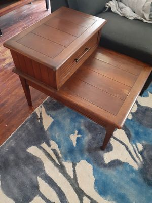 Vintage Mid century coffee table and step side table set for Sale in San Diego, CA
