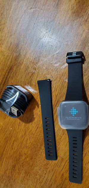 FITBIT VERSA 2 HEALTH AND FITNESS SMART WATCH for Sale in Pueblo West, CO