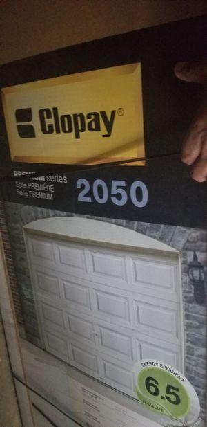 Clopay Garage door 9.7 Ft for Sale in Clinton, MD