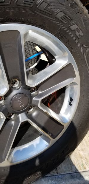 5 Rims, 5 tired and 4 separators 2 inch for Jeep 255/70 R18 for Sale in Greenville, SC
