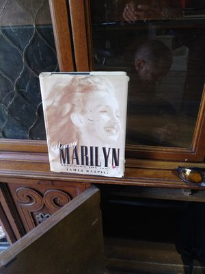 Marilyn for Sale in Mitchell, IL