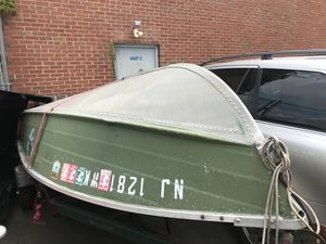 Bass boat 14ft for Sale in Philadelphia, PA