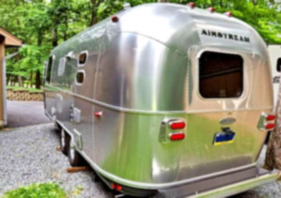 Mirror w 2O16 Airstream Flying Cloud 23FB travel trailer 💪