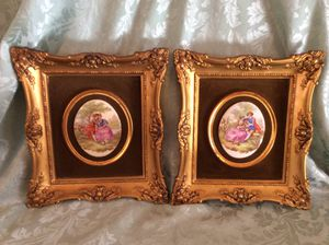 Two Victorian Style Ceramic Framed Art Pieces for Sale in Bauxite, AR