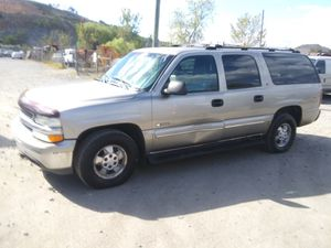 2000 Chevy Suburban Ls 160k miles runs and drives!!! for Sale in Temple Hills, MD