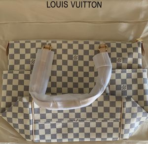 **Brand New LOUIS VUITTON Shoulder Bag*** for Sale in Guadalupe, AZ