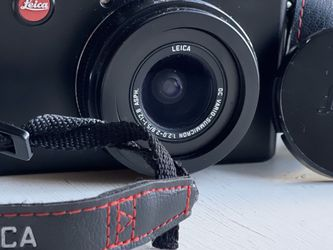 Leica D-Lux 4 with original box and 2 batteries $425/offer for Sale in Lacey,  WA