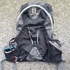 Salomon 12L Hiking Backpack for Sale in Seattle, WA