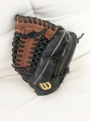 Leather baseball glove for Sale in Miami, FL