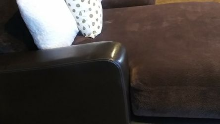 """Super Nice And comfy SECTIONAL With Wide Chaise. 111"""" Long 6ft Chaise. 55in Wide for Sale in Escondido,  CA"""