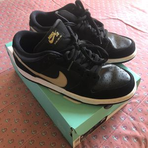 NIKE SB DUNK LOW PRO METALLIC GOLD for Sale in Long Beach, CA