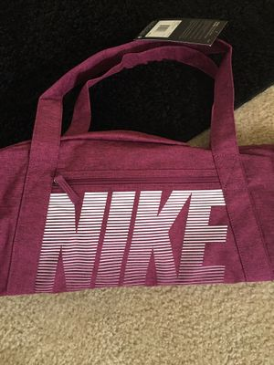 Nike gym duffle bag for Sale in Virginia Beach, VA
