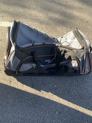 Coleman duffle bag in amazing condition for Sale in Phoenix, AZ