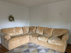 Sectional couch- only used for a year- no stain- removable/washable covers for Sale in Hillsborough, CA