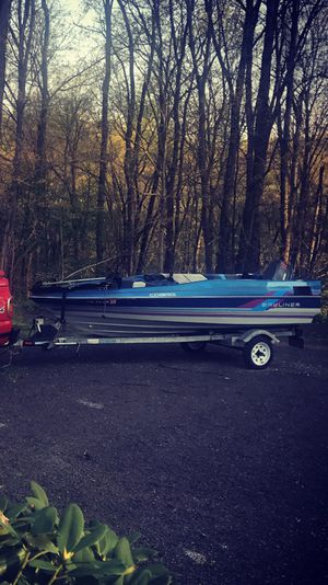 Bayliner cobra bass boat for Sale in Freeport, PA