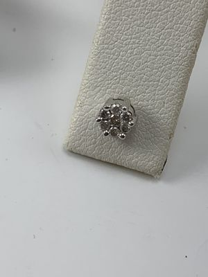.25 ct. Tw diamond floral stud single 14k white gold earring for Sale in Plainfield, IL